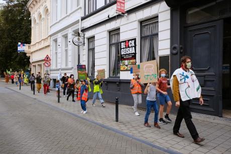 Elke straat is een speelplaats_op STORMOPKOMST_(c) Bart Van der Moeren (7).JPG