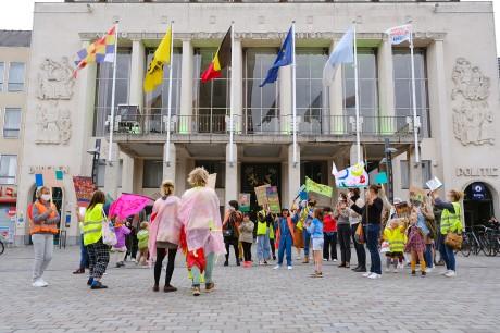 Elke straat is een speelplaats_op STORMOPKOMST_(c) Bart Van der Moeren (9).JPG
